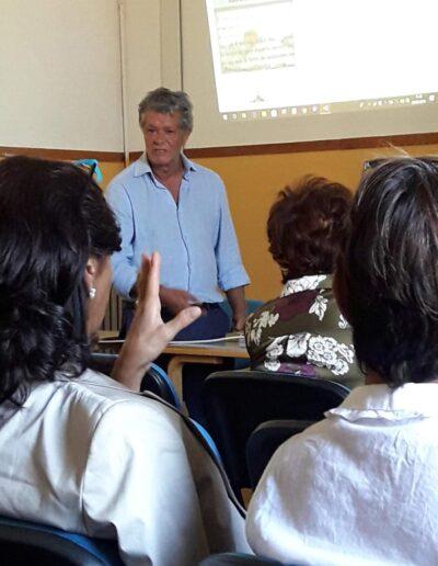 L'architetto Pasquale Fonte durante una lezione